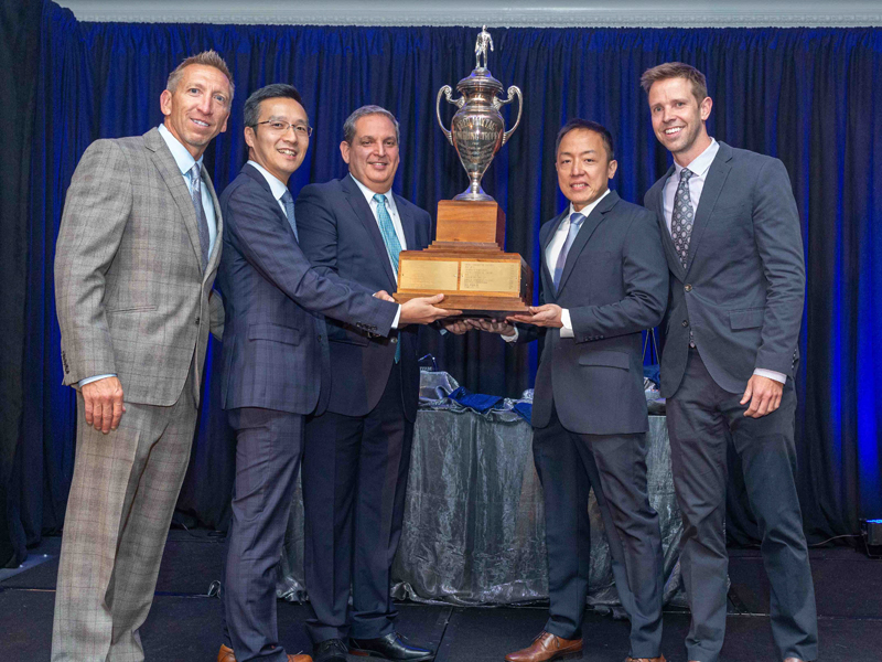 Maytag Hosts 60th Annual Meeting, Salutes Outstanding Customers